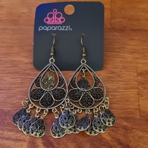 Paparazzi antique gold medallion earrings